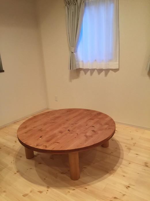 特注のONDAセンターテーブル