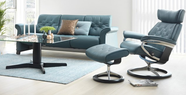 Sofa-and-Skyline-Chair-Ottoman-from-Stressless-e1435690173514