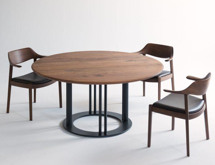 佐戸川 清氏デザインのRBテーブル