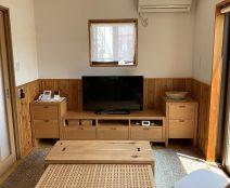 カンディハウス一本技ネストテーブルとストライプテレビボード